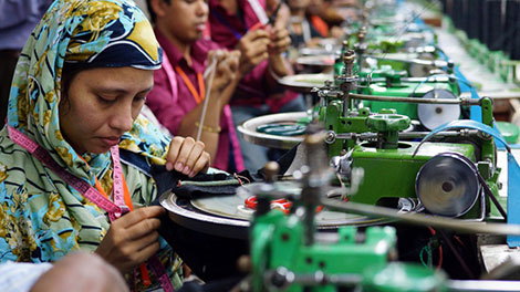 How Tu Clothes are Made: Photography