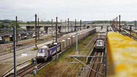 Eurotunnel | Passenger train arriving