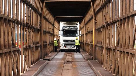 Eurotunnel | Freight loading platforms